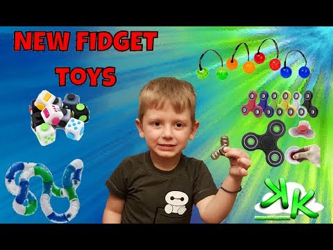 Kouli Kollector Giveaway Plus Fun With Fidget Spinners And Fidget Toys Including GIANT Spinner