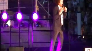 Leo Sayer singing Thunder in my heart live at the Australia Day Spectacular, Darling Harbour 2010