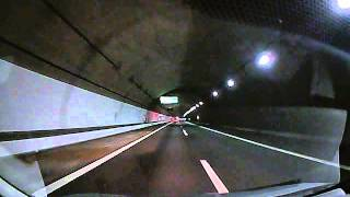 2013 11 16 新名神信楽IC付近トンネル内暴走基地外ベンツ 何キロ出してるんだろう