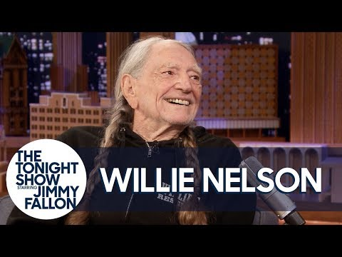 "Willie Nelson Is ""Chief Tester"" at His Weed Company"