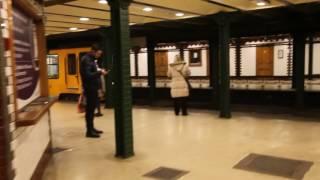 ブダペスト地下鉄1号線 ヴェレシュマルティ広場駅入口, Budapest Line1 Vorosmartyter Station entrance