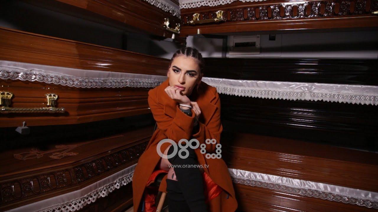 Download Kri Gorasi futet mes arkivolëve:  Seks treshe në varreza! - #EXPULS