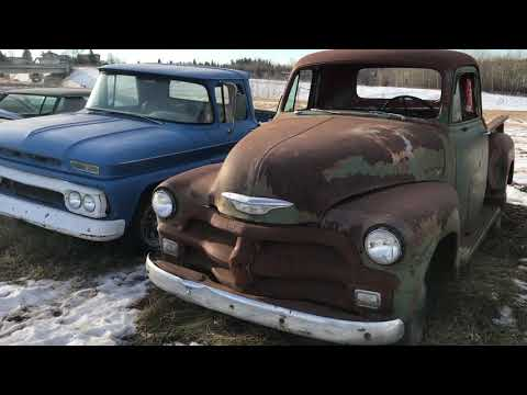 Come tour a classic car junkyard with us! Perry's Project Cars