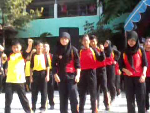 Gangnam Style HUT SMPN 4 Gresik