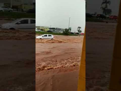 Chuva em Valparaíso de Goiás