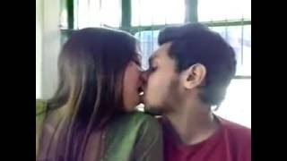 Bangla girl kissing her boy friend new video