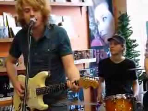 Figurines - Back In The Day - Live @ Sonic Boom Records