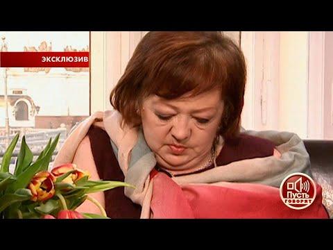 После смерти жены Инны Игорь впадает в депрессию и перестает заботиться о своей дочери Маше.