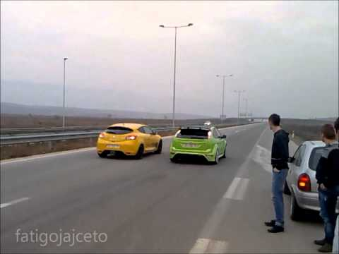 Ford Focus RS vs Renault Megane RS