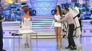 Presentadora Muestra Más De Lo Que Debía ( 2 MILLION)