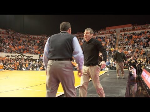 John Smith And Tom Brands Get Into It At 2017 Iowa Vs Ok State