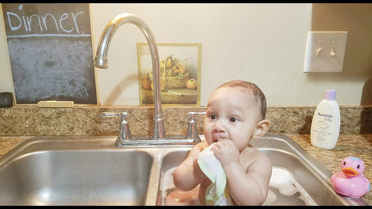 BABY SINK BATH!! - YouTube
