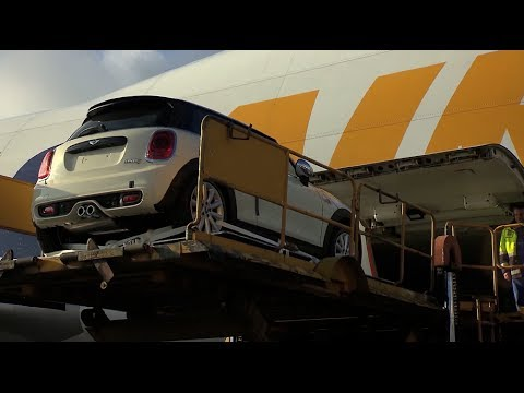 Cargo Air Freight of the new MINI - Loading and Departure