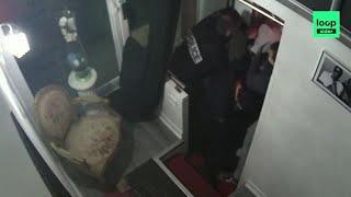 Francia, la polizia picchia brutalmente produttore musicale nero: il video che inchioda gli agenti