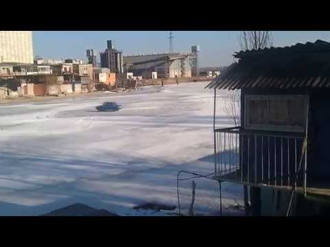 ЗАЗ 968  Тест драйв на льду.