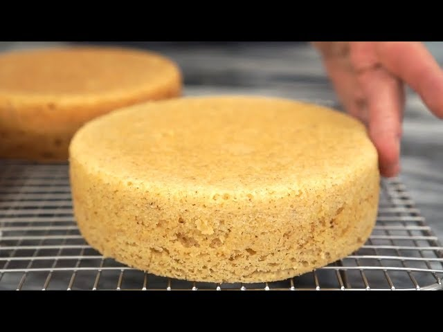 How to Get Flat Cake Layers