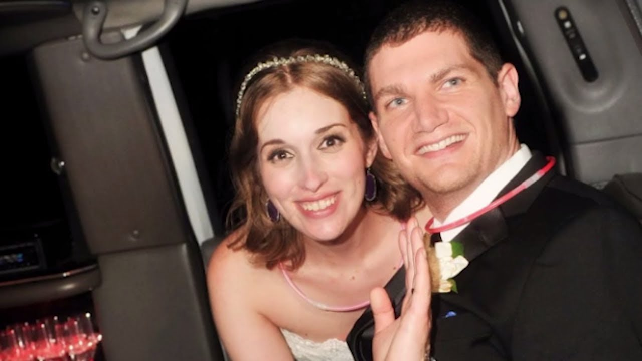 couple-must-pay-1-million-for-trashing-wedding-photographer