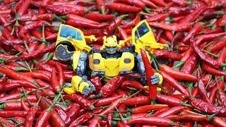 Transformers Chili Eating Contest Superhero Bumblebee vs. Barricade, Bonecrusher (Stop motion) Toys
