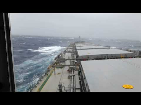 Mv Oceanic Power in South Pacific Ocean