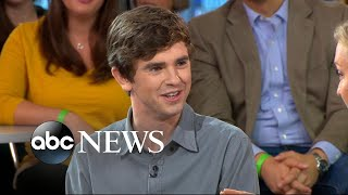 Video Freddie Highmore dishes on 'The Good Doctor' download MP3, 3GP, MP4, WEBM, AVI, FLV Januari 2018