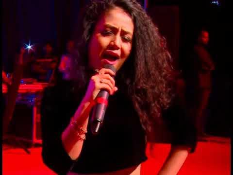 London Thumakda Neha Kakkar live concert