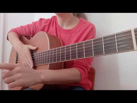 Новогодняя  песня  Замела метелица город мой Как играть на гитаре