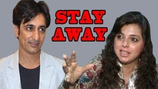 Delnaaz aks Rajiv to STAY AWAY in Bigg Boss 6 Day 4 - 12th October 2012
