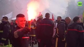 Don't play with fire: French firefighters protest low pay & difficult working conditions in Paris