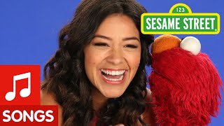 Repeat youtube video Sesame Street: ABCs En Espanol (with Gina Rodriguez)