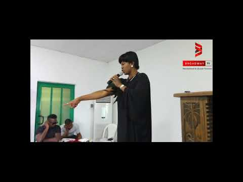 Stephanie Okereke Linus Speaks in Tongue as she pray for Eucharia Anunobi on her son's burial