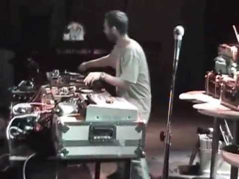 RJD2 Live at Thessaloniki, 16/11/2004 (full show)
