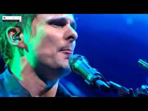 muse  time is running out  glastonbury 2016