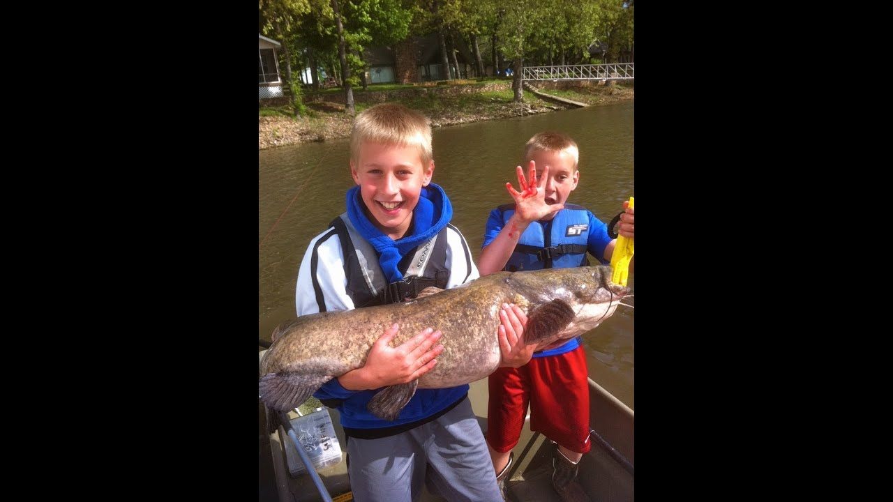 2 KIDS Catch HUGE FLATHEAD Catfish! - YouTube - photo#26
