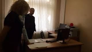 Смотреть видео На выборах мэра Москвы в ЮВАО зафиксированы первые провокации онлайн