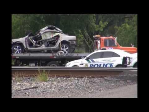 4 killed when train hits car in eastern Oklahoma