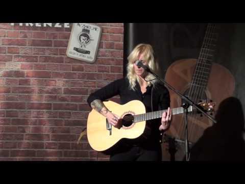 "Brooke Miller - ""Impossible Story"" - Live at Six Bars Jail (4th November 2012)"