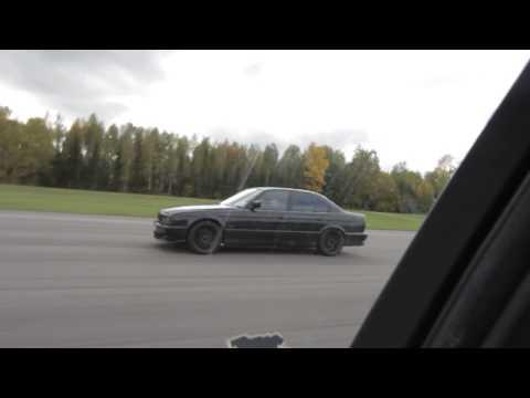 1000 HP BMW M5 E34 vs 1000 HP AG BMW M5 E34