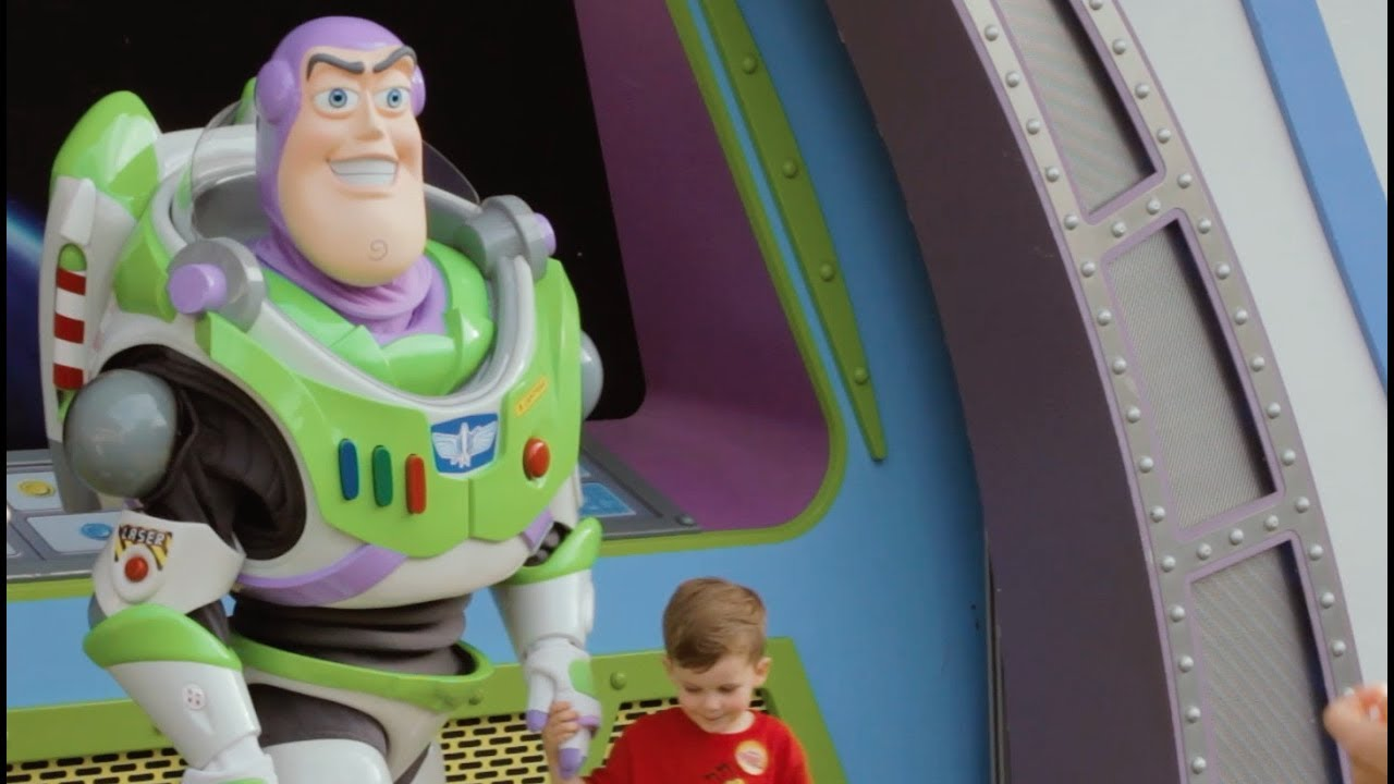 meet buzz lightyear in tomorrowland  magic kingdom park  walt disney world resort