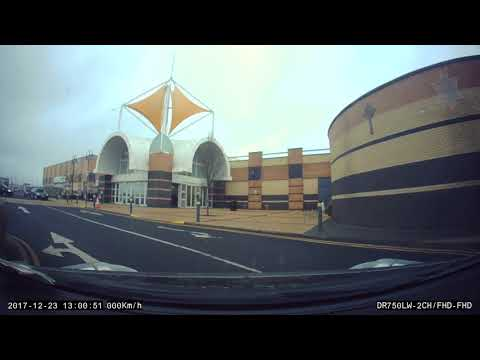 Christmas at the Blanchardstown Centre - Driving all over the road - Dash cam Ireland
