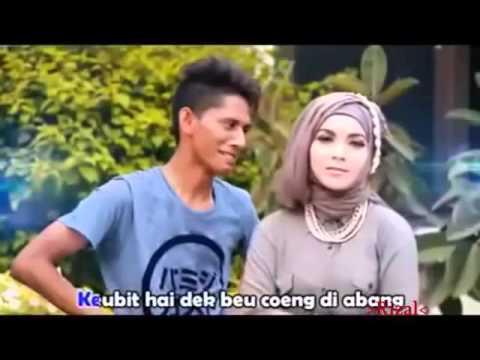 BERGEK= Bedak Saboeh Ploek Versi Padang 2016
