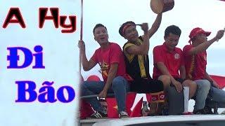 A Hy Đi Bão Mừng Chiến Thắng Đội Tuyển Việt Nam - A HY TV Cõng Vợ 4km Và Cái Kết