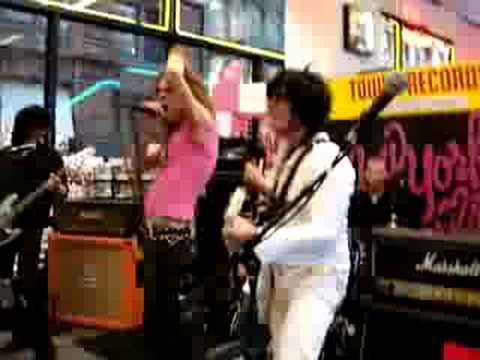 New York Dolls -looking for a kiss live at tower records NYC