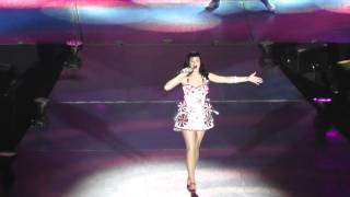 Katy Perry - Hummingbird Heartbeat - Live in The O2 Arena London, United Kingdom 14.10.2011