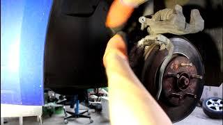 Замена передних тормозных колодок Chevrolet Cruze Шевроле Круз 2011 года