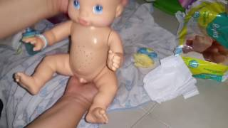 FIRST BOY BABY ALIVE NIGHT ROUTINE BOTTLE DIAPERS PEES ON MOMMY