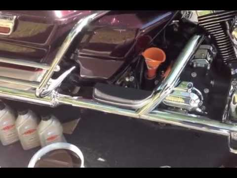 Changing Oil Harley Davidson Ultra Classic