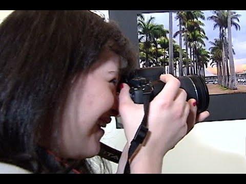 Fotógrafa com síndrome de Down expõe 20 imagens de pontos turísticos do DF