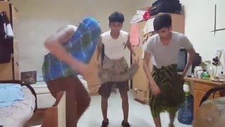 funny dancing boys-Qatar ~ bandu samarasinha song (ටින් බෙලෙක්ක ටක්ක බක්ක)