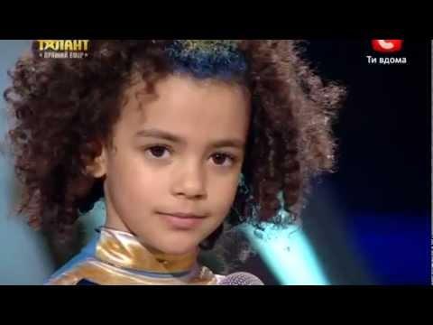 Украина мае талант- Эмили Москаленко - гибкая девочка