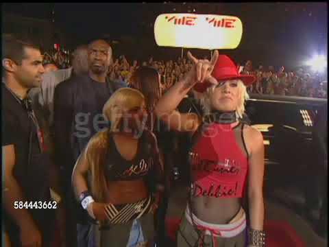 Christina Aguilera Pink Mya and Lil Kim arriving at Lincoln MTV VMA 2001